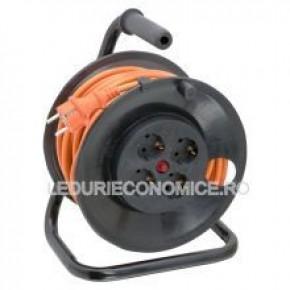 Cablu prelungitor cu suport metalic 25m
